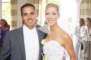 couple de maries mariage bordeaux mairie de bruges