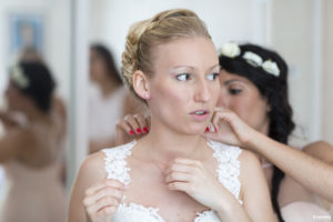 bijoux-collier-mariage-demoiselle-honneur-essayeg-preparatifs-sebastien-huruguen-photographe-de-mariage-bordeaux