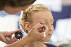 maquillage-de-la-mariee-sebastien-huruguen-photographe-de-mariage-bordeaux