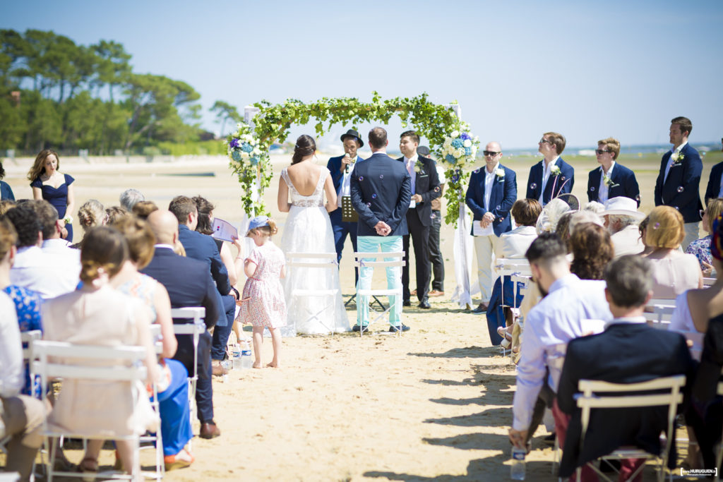 photographe de mariage en Gironde à Bordeaux - cérémonie laïque de mariage sur la plage du bassin d'arcachon villa La tosca Lanton