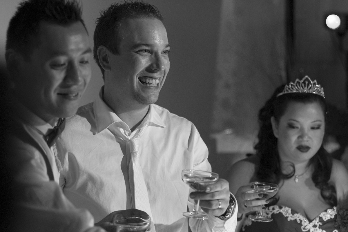 mariage au chateau lafitte laguens a Yvrac sourire du mari