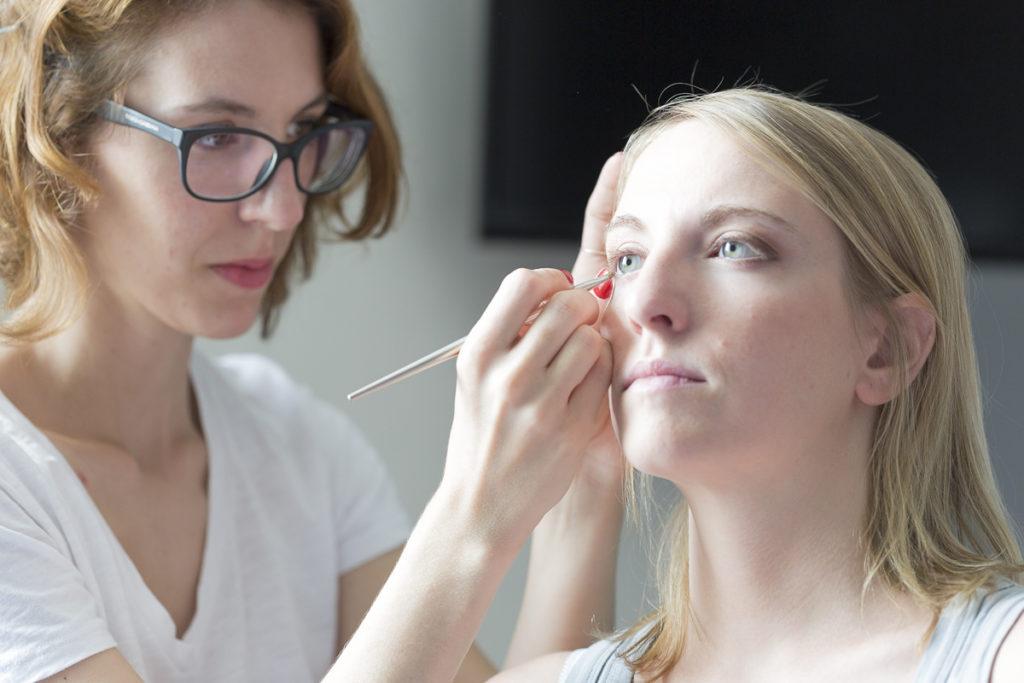 Pauline B coiffure maquillage make up de mariage à Bordeaux maquille une mariée photo mariage Sebastien Huruguen