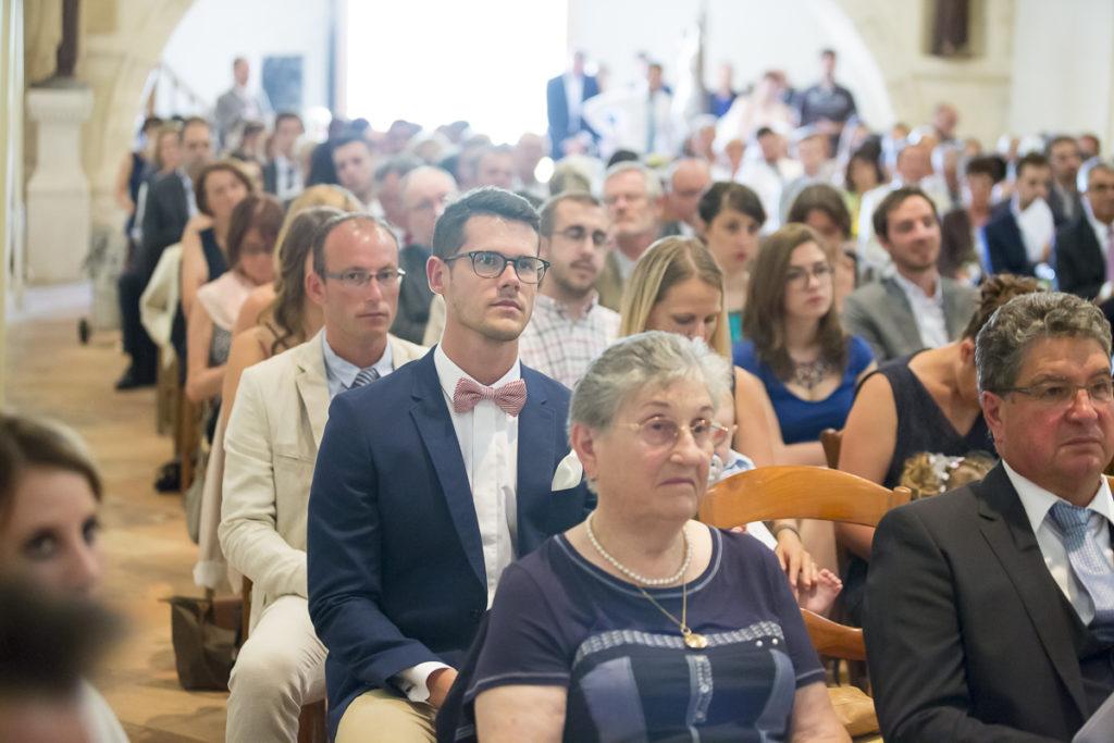 Photographe Mariage Bordeaux invites et famille messe mariage religieux yvrac Sebastien Huruguen
