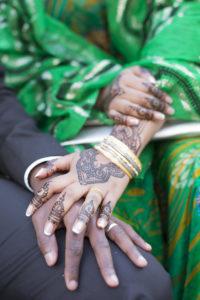 Photographe Mariage Bordeaux Sebastien Huruguen Alliance Bague de mariage Bordeaux merignac oriental tatouages bracelets