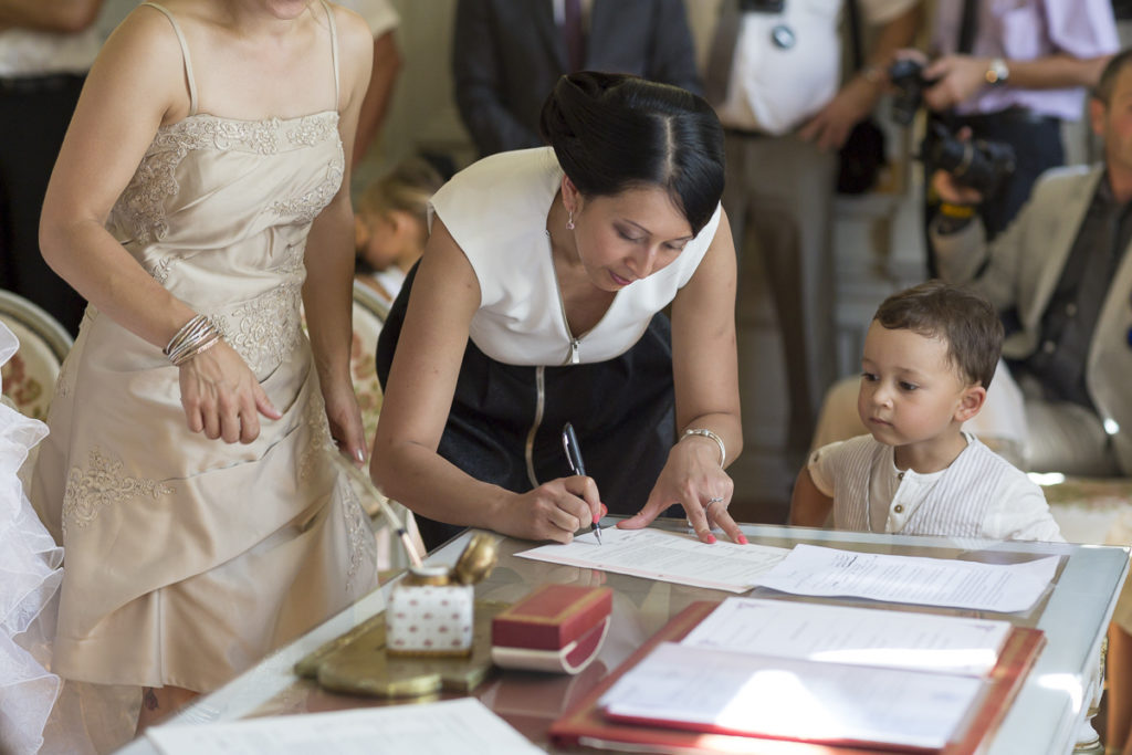 temoin signature mariage couple de maries eglise notre dame de beyssac a marmande invités et témoins sebastien huruguen