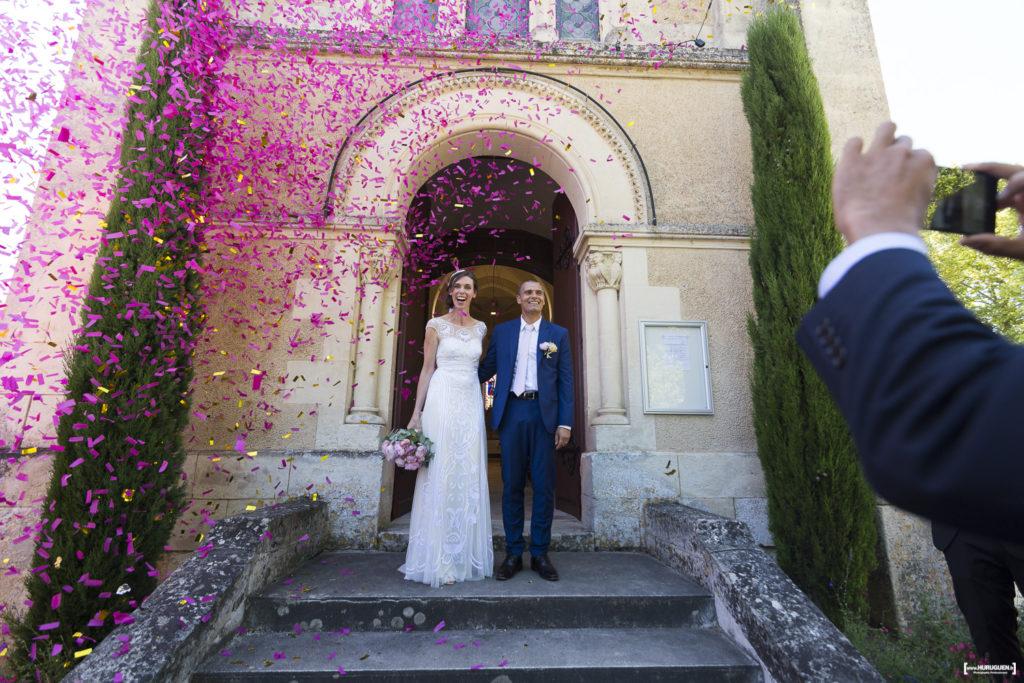 photographe-mariage-dordogne-sebastien-huruguen-eglise-clermont-de-beauregard-couple-jeunes-maries-les-mariages-de-mademoiselle-L