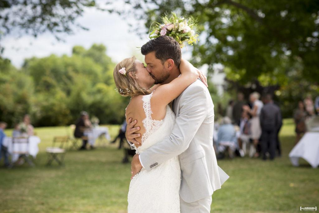 photographe-mariage-sebastien-huruguen-bordeaux-couple-maries-amour-bouquet-diy-champetre-robe-blanche-dentelle