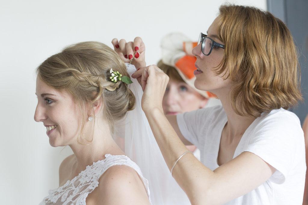 coiffure et maquillage de la mariee sebastien huruguen photographe mariage bordeaux, Pauline B coiffeuse et maquilleuse professionnelle de mariage à Bordeaux