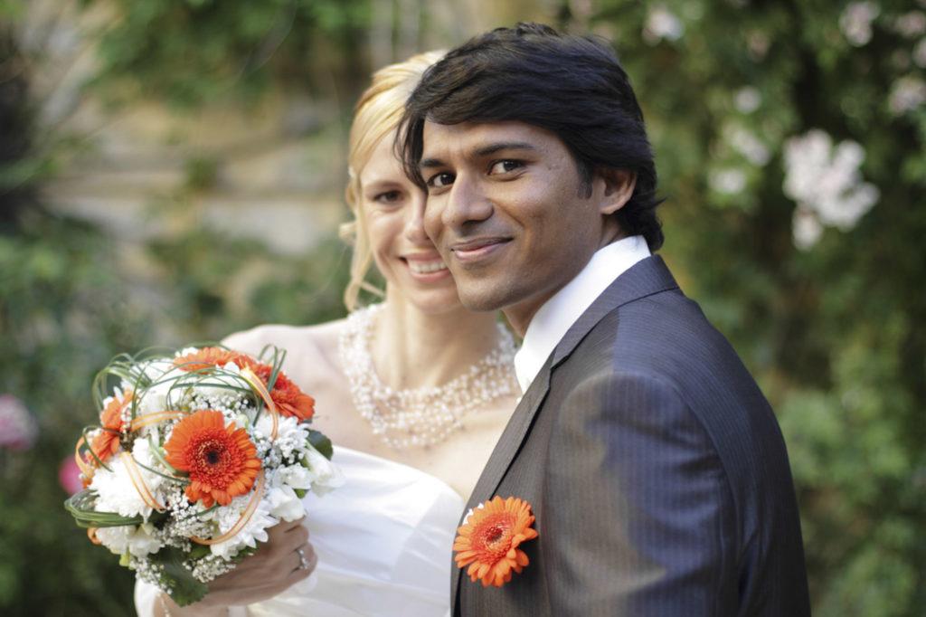 Photographe Mariage Aigues-Mortes, couple de mariés, couple, fleurs de mariage, bouquet mariage, mariée, portrait, marié, Gard Languedoc-Roussillon (30)