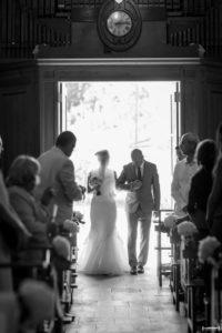 mariage-chateau-agassac-ludon-medoc-sebastien-huruguen-photographe-bordeaux-entree-mairee-eglise-caychac