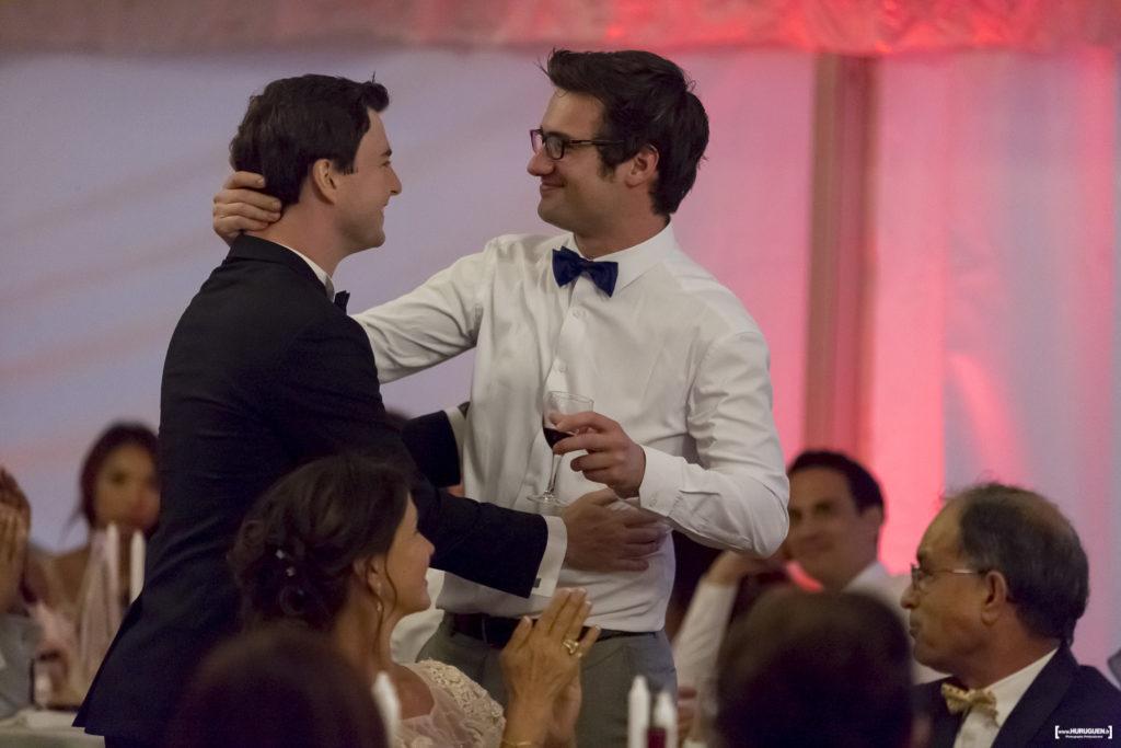 le discours du bon copain lors de la soirée de mariage