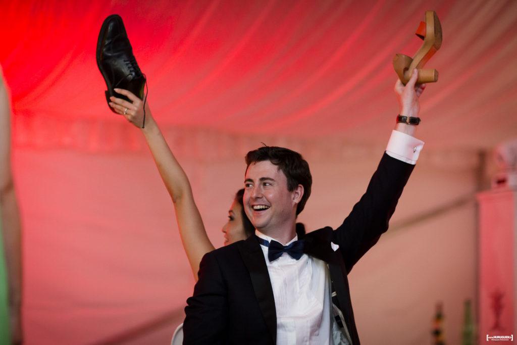 le jeu de la chaussure soirée de mariage qui porte la culotte