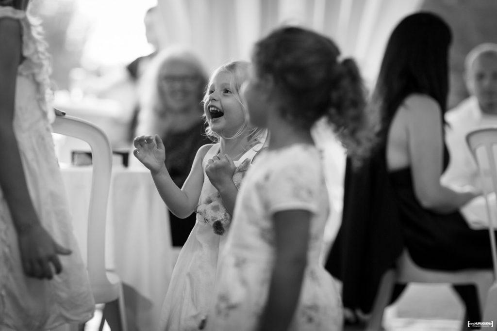 Sourires d'enfants lors du mariage Macau France Sebastien Huruguen