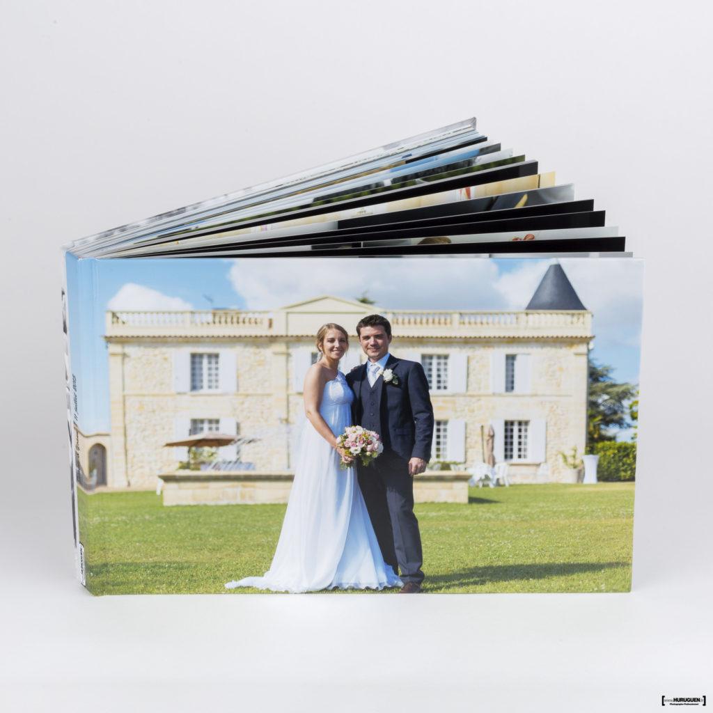 livre-album-photo-HD-mariage-couverture-rigide-sebastien-huruguen-photographe-bordeaux-format-A4-paysage-sur-mesure