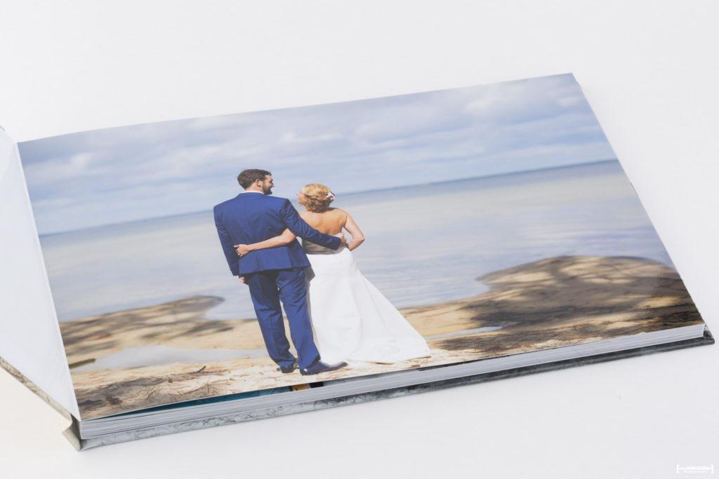 livre album photos de mariage Sébastien Huruguen photographe de mariage à Bordeaux