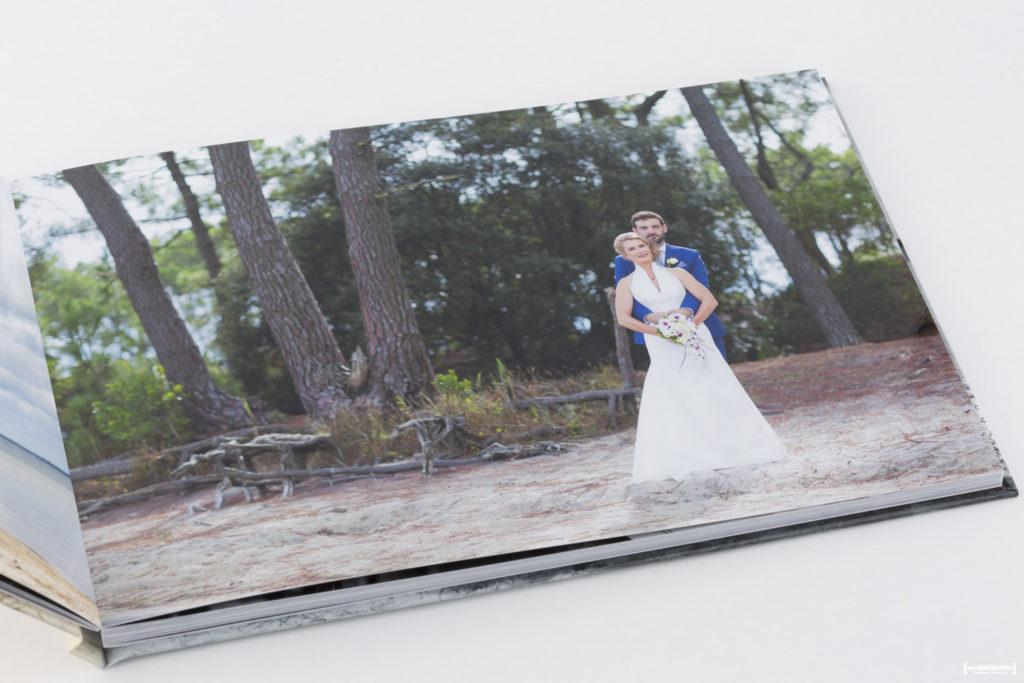 livre-album-photo-de-mariage-sebastien-huruguen-photographe-bordeaux-papier-brillant-format-A4-20x30cm-resalisation-montage-6