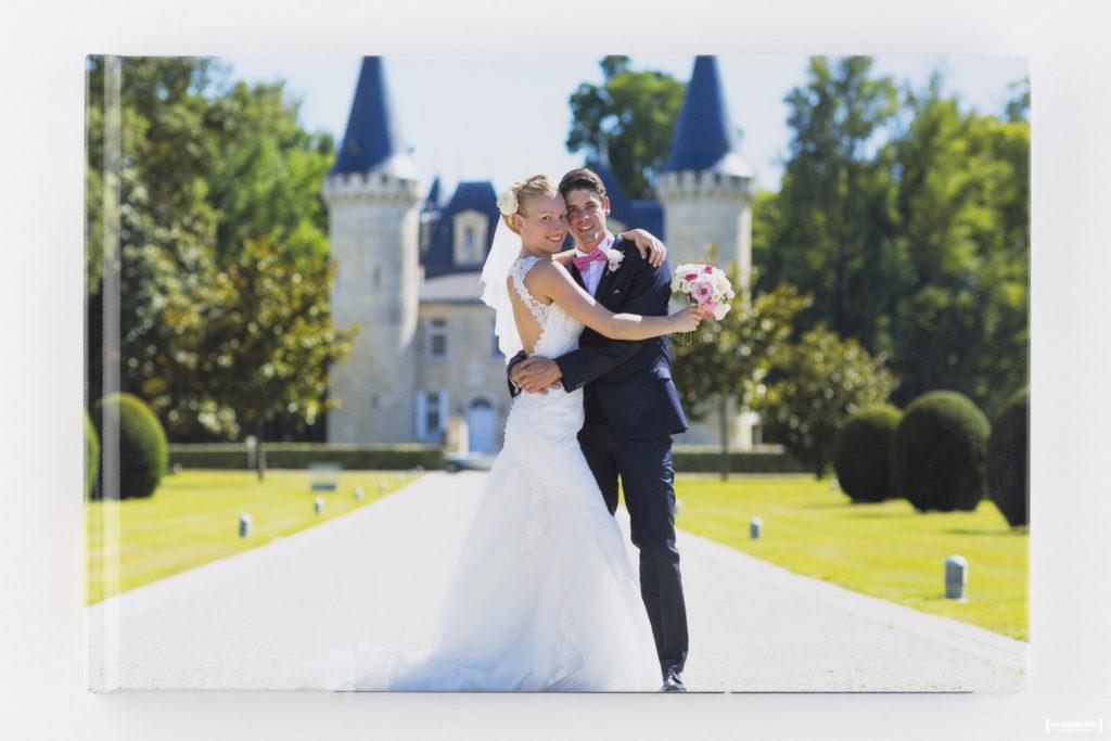 livre-album-photo-de-mariage-sebastien-huruguen-photographe-bordeaux-papier-brillant-format-A4-20x30cm-resalisation-montage-8