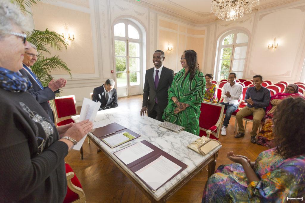 photographe-mariage-merignac-sebastien-huruguen-bordeaux-couple-maries-parc-du-vivier-mairie-hotel-de-ville-5