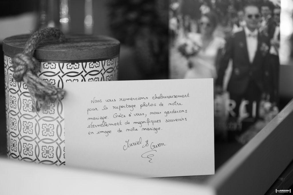 avis-témoignages-sebastien-huruguen-photographe-mariage-bordeaux-carte-de-remerciement-apres-mariage-clients-couple-jeunes-maries