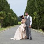 couple de jeunes mariés au chateau lafitte laguens à Yvrac près de Bordeaux Sébastien Huruguen photographe mariage