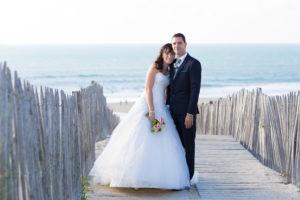 couple-jeunes-maries-seance-photo-trash-the-dress-day-after-plage-lac-ocean-carcans-sebastien-huruguen-photographe-mariage-23