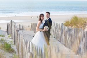 couple-jeunes-maries-seance-photo-trash-the-dress-day-after-plage-lac-ocean-carcans-sebastien-huruguen-photographe-mariage-25