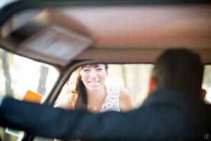 couple-jeunes-maries-seance-photo-trash-the-dress-day-after-plage-lac-ocean-carcans-sebastien-huruguen-photographe-mariage-37