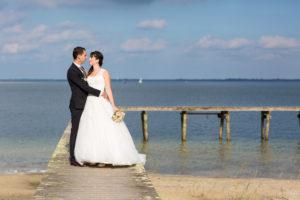 couple-jeunes-maries-seance-photo-trash-the-dress-day-after-plage-lac-ocean-carcans-sebastien-huruguen-photographe-mariage-8