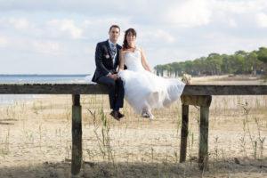couple-jeunes-maries-seance-photo-trash-the-dress-day-after-plage-lac-ocean-carcans-sebastien-huruguen-photographe-mariage-9